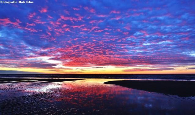 Afgelopen dagen leek wel een kleurenfestival aan de Egmondse kust