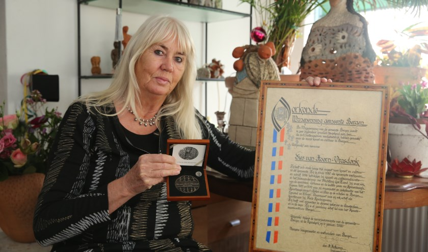 Sies van Hoorn-Vrasdonk is trots op haar onderscheiding.