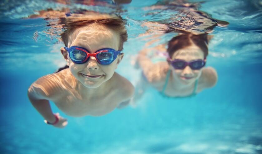 Alle kinderen veilig laten zwemmen.