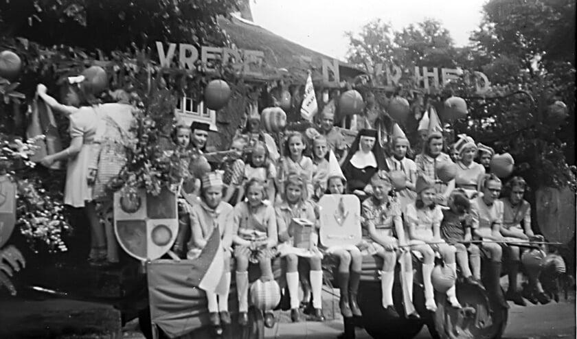 Bevrijdingsfeest 1945. Bron: Beeldbank Historische Vereniging Bergen