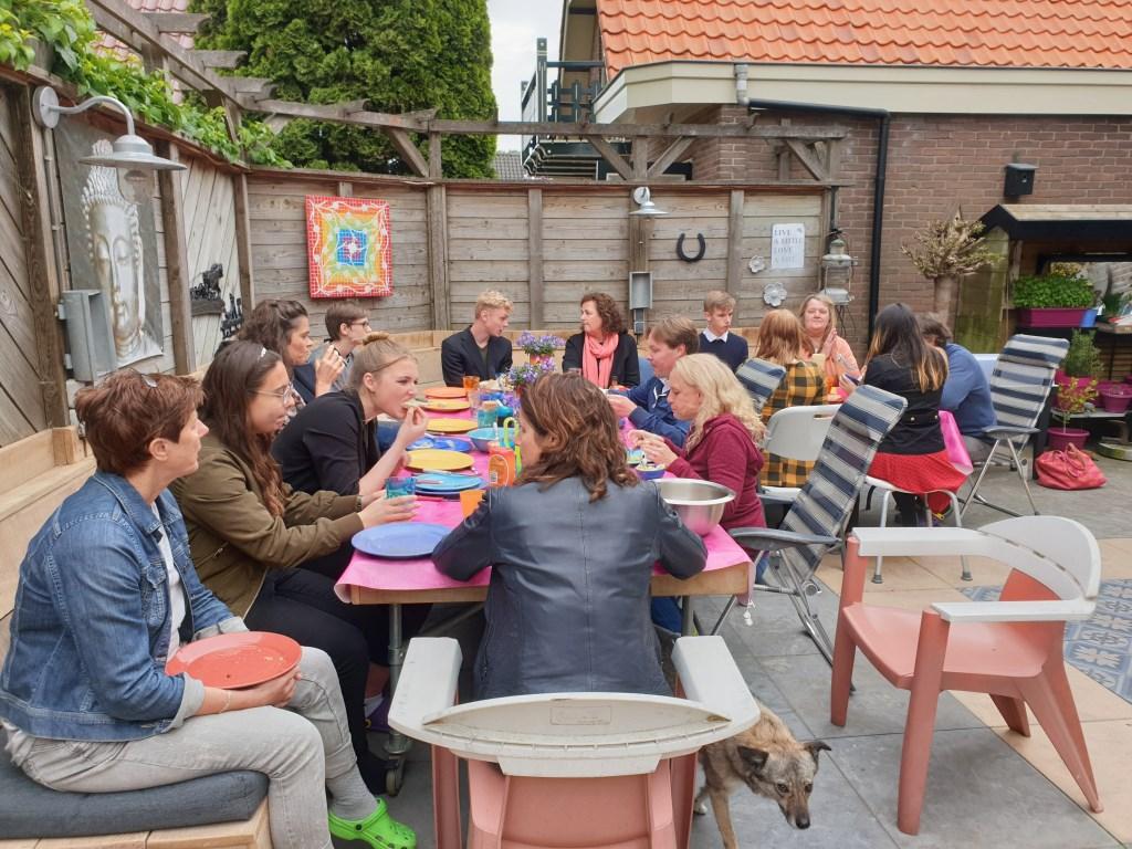 Mensen samenbrengen, is wat Nicole drijft. (Foto: Aangeleverd) © rodi