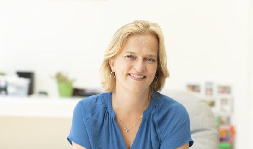 Gratis cursus 'Werk en mantelzorg combineren' door Hanneke de Boer.