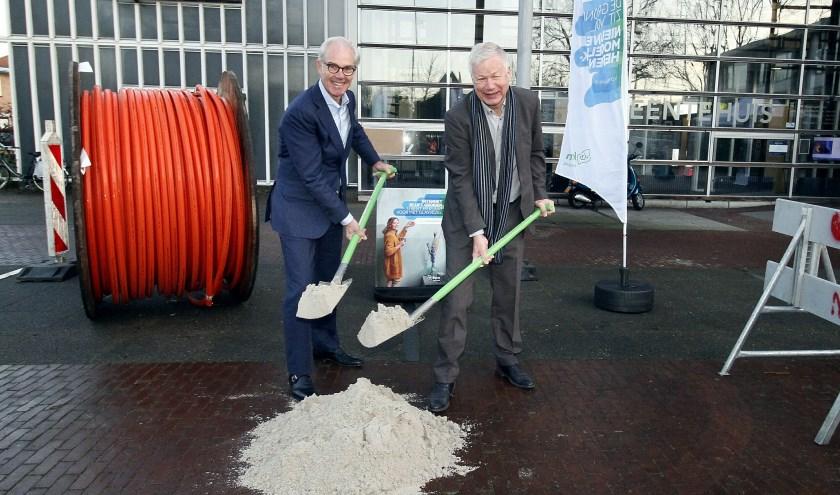 Willem Offerhaus en Richard Quakernaat maken de officiële start.