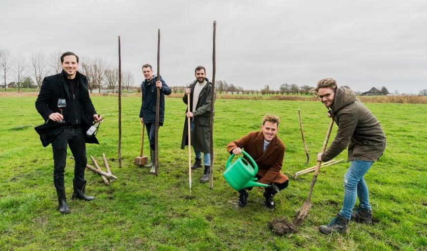 Wijngaard Stichting Avendorp team. Vlnr: Bas Westenenk, Erik de Vries, Nick Zonneveld, Kai Zonneveld, Koen Zwaan.