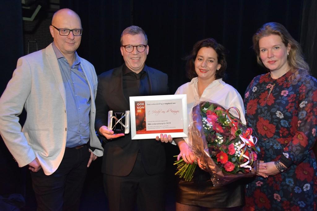 Marc Blankendaal van Hoedje van de Koningin en zijn echtgenote waren hooglijk verrast, maar bovenal trots op de uitverkiezing.  (Foto: Rolf Rijken) © rodi