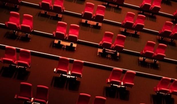 Cool heeft de theaterzaal 'coronaproof' ingericht, maar moet nu toch de deuren sluiten.