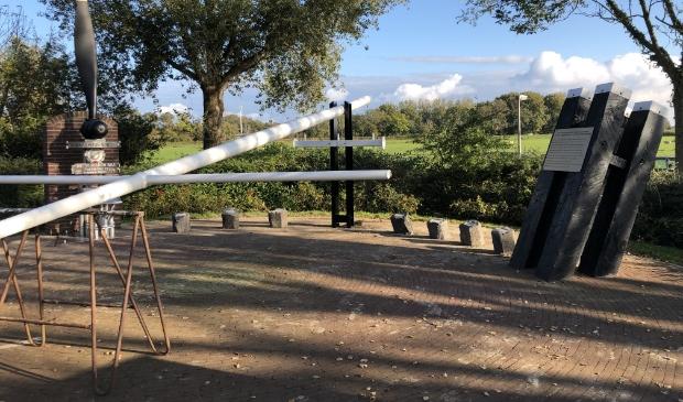 <p>Op het gedenkteken voor de crew van een neergestorte Short Stirling staan, achteraf, de verkeerde namen. &nbsp;</p>
