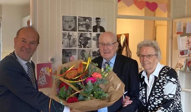 <p>Burgemeester Blase bezocht het jubilerende echtpaar.</p>