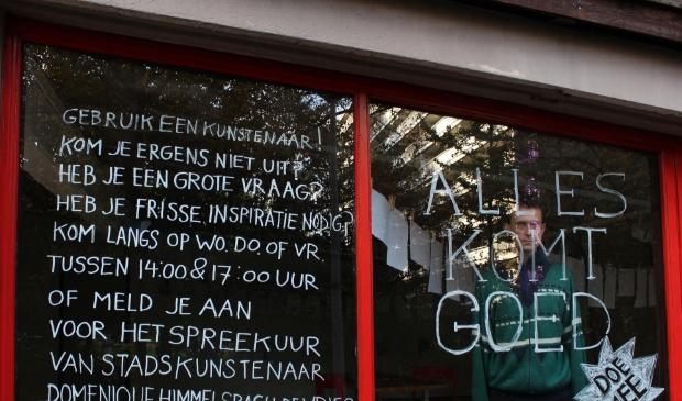 Werkplaats Molenwijk, kunstenaars residentie met oproep Himmelsbach op raam.