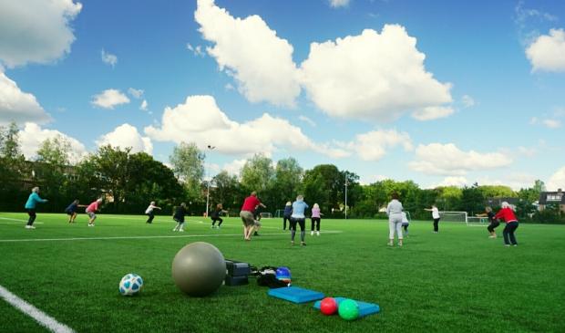 <p>Ouderen sporten bij Alliance&#39;22.</p>