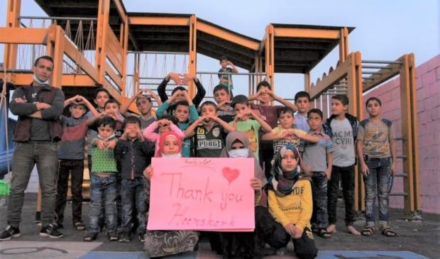 <p>Weeskinderen in Childhouses in Syrie bedanken Heemskerk!</p>