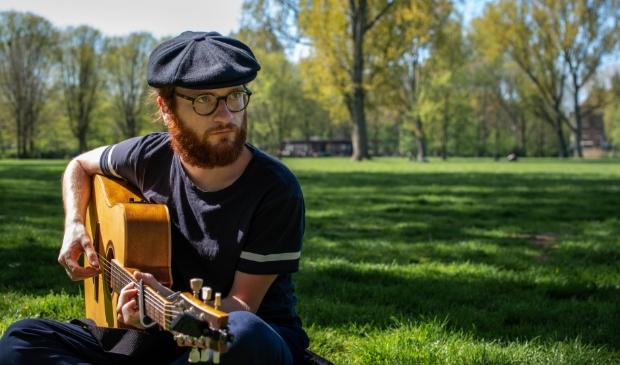 <p>Artquake organiseert zondagmiddag 15 november een workshop songwriting door Laniek Reedijk in Oudkarspel </p>