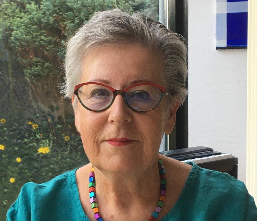 <p>De huidige stadsdichter Marja Lely</p> <p>(Foto: aangeleverd)</p> © rodi