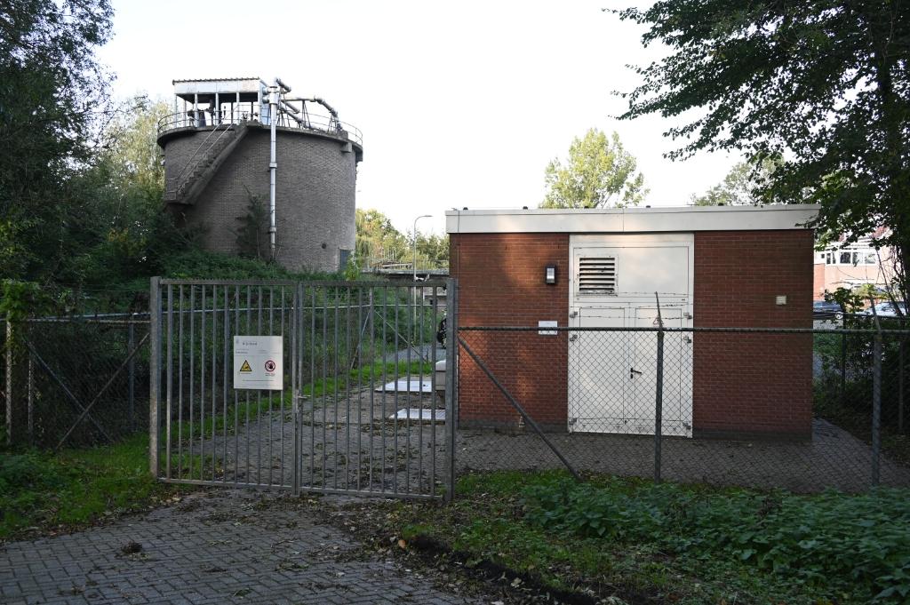 <p>Oude waterzuivering aan de Olmenlaan-Lijnderdijk, daar zou ook wel wat beters kunnen komen te staan.</p> (Foto: ) © rodi