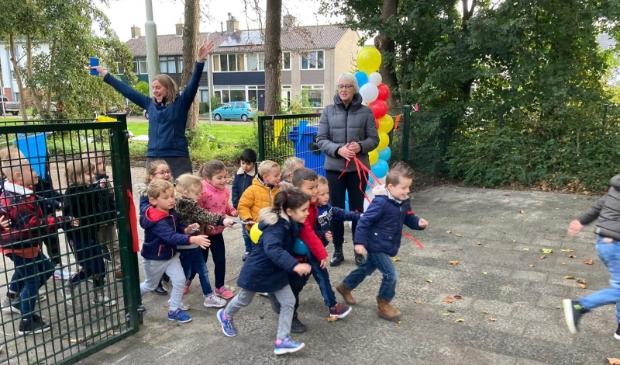 <p>Feestelijke opening nieuw schoolplein De Hoeksteen.</p>