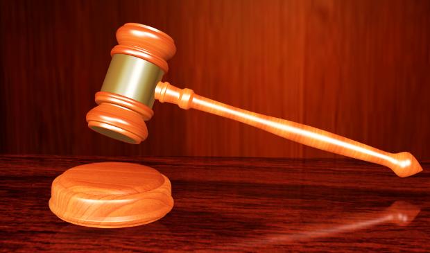 <p>Voor het terroriseren van een 16-jarige Haarlemmer en zijn familie hebben vier jongeren vrijdag diverse straffen gekregen. </p>