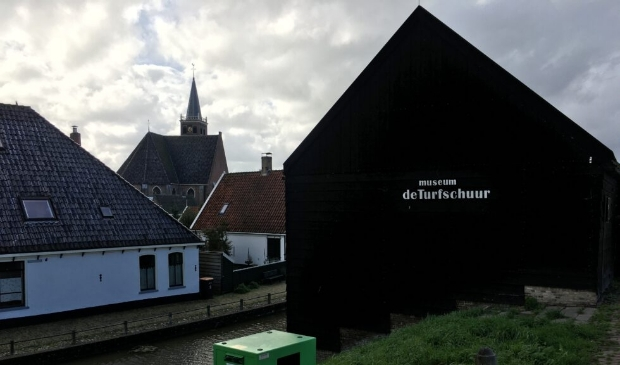 <p>De expositie is te zien in de Turfschuur in Kolhorn.</p>