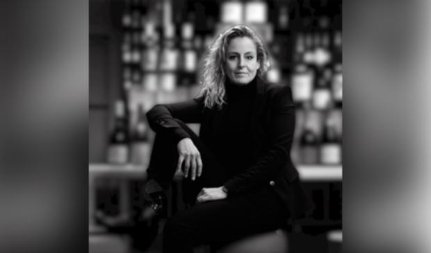 <p>Esther Leegwater van Wijnspeciaalzaak Pop4Wine. Afgelopen woensdag was de opening.</p> <p>Foto: YL Evenementenprojecten</p> © rodi