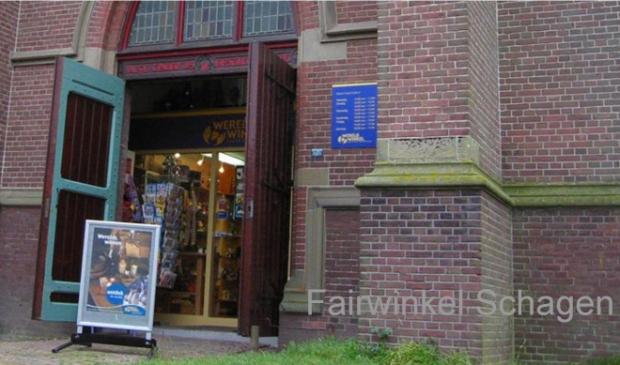 <p>De Fairwinkel onder de kerk gaat na 40 jaar sluiten.</p>