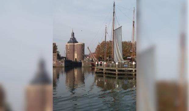 <p>Enkhuizen vanaf het water.</p> <p>Foto: Hanneke Vingerhoed</p> © rodi