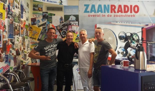 <p>De mannen van de WOS, v.l.n.r. Jerry Jahn, de Nederlandstalige zanger Michael Nobbe die te gast was, Eric Weer en Pascha van Hattem.</p>
