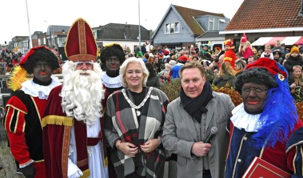 <p>Burgemeester Schuurmans en alle kinderen kunnen dit jaar thuis blijven in het traditionele weekend van de aankomst van Sinterklaas. Dit jaar komt hij niet aan in Zwanenburg.</p>