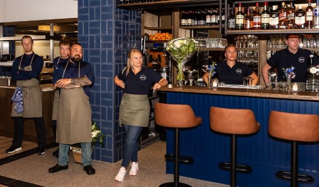 <p>De restaurantmedewerkers willen maar &eacute;&eacute;n ding: de gasten weer welkom heten. Zoals hier bij Twaalf in Purmerend.</p>