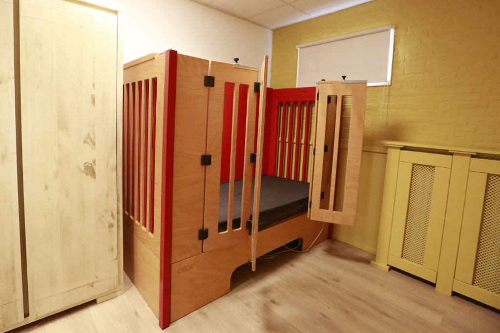 Een slaapkamer met hoog-laagbed en kastruimte voor elke logé. (Foto: Theo Annes) © rodi