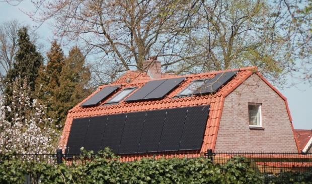 <p>Besparen op de energierekening met zonnepanelen.&nbsp;</p>