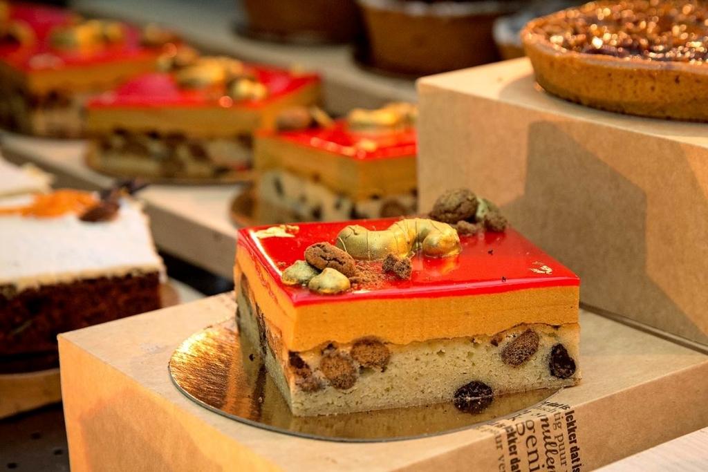 <p>Ook aan gebak geen gebrek.&nbsp;</p> <p>(Foto: Ton van Veen)</p> © rodi