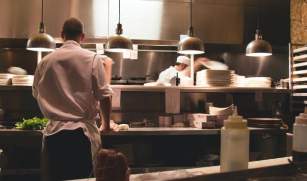<p>Werkeloze koks krijgen van het UWV het advies zich te ori&euml;nteren op een baan als operator proces- en voedingsmiddelenindustrie. &nbsp;</p>