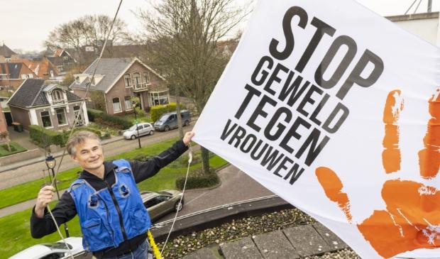 <p>Wethouder Sigge van der Veek spreekt zich uit tegen geweld tegen vrouwen.</p>