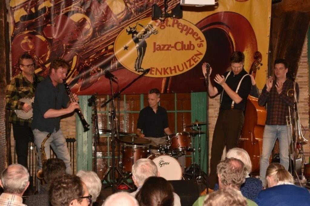 <p>De Oriental Jazzband in januari 2020.</p> ((Foto: aangeleverd)) © rodi