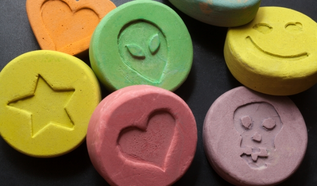 <p>Drugs... zien er ongevaarlijk uit en als snoepjes. Waarschuw uw kids!</p>