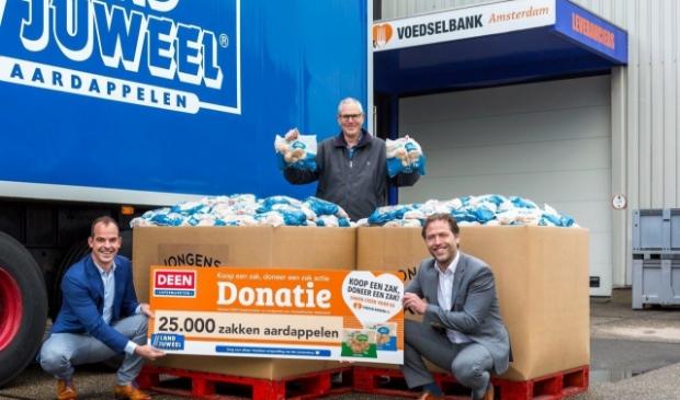 <p>Klanten van DEEN doneren 89.148 producten aan de Voedselbank.</p>