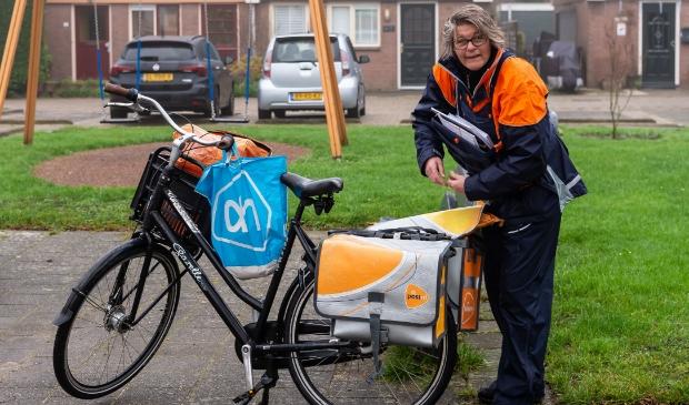 <p>Lida begint aan haar postwijk in Purmerend-Noord.</p>