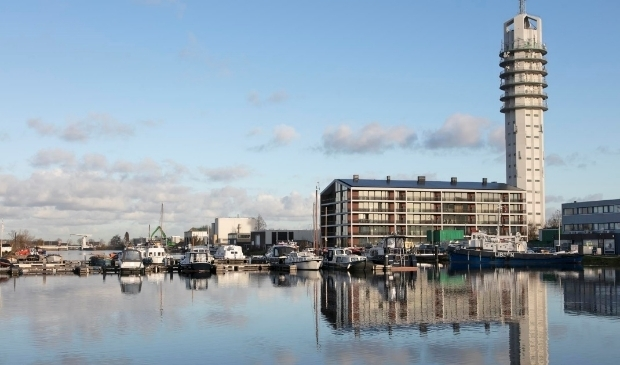 <p>&nbsp;DOK2404 laat goed zien hoe kansrijk verouderde bedrijventerreinen kunnen zijn als woonlocatie, vooral als ze aan het water liggen. Foto: PR</p>