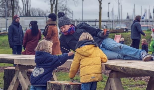 <p>Inwoners van Amsterdam-Noord hopen snel weer te genieten bij de Buurthaven.</p>