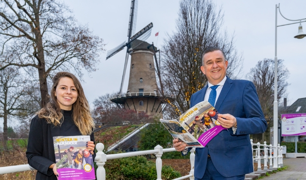 <p>Kim van Weering en en burgemeester Emile Roemer.</p>