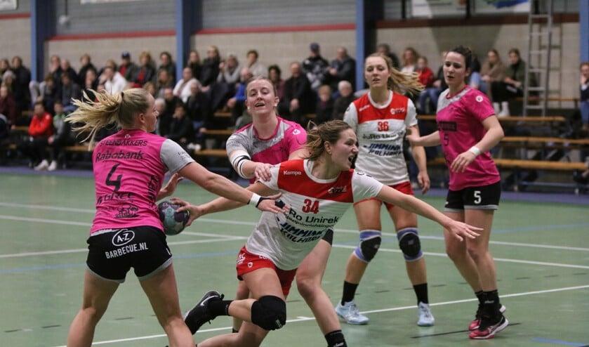 VZV geeft Handbal Venlo uitstekend partij.