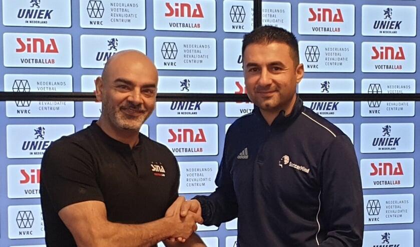 Van links naar rechts: Siamak Azadi van SINA Voetballab en Cengiz Caglar van SoccerMind.