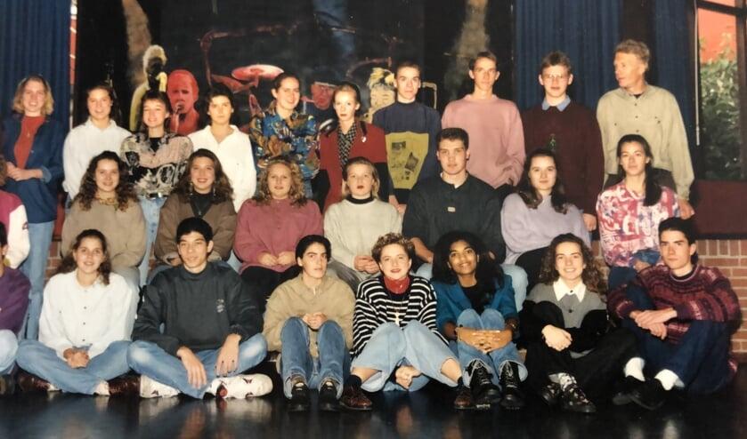 Klas uit het schooljaar 1992/1993 van het St. Ingnatiuscollege