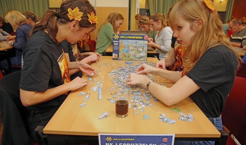 Bijna alle leeftijden waren vertegenwoordigd tijdens het NK Legpuzzelen.