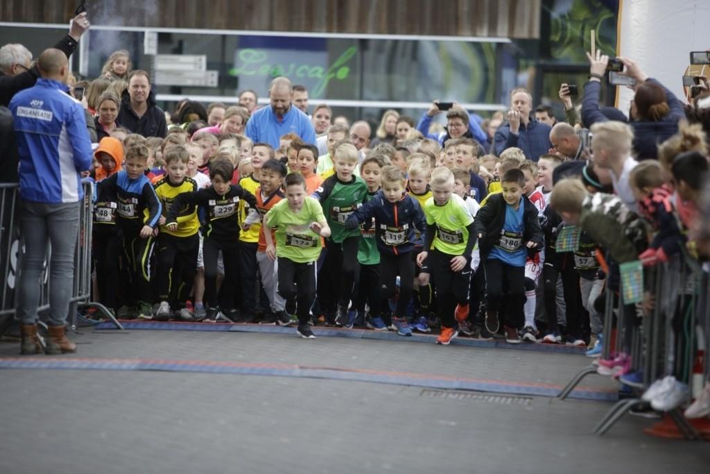Kinderen bij de start van de Kidsrun in 2019.  Foto: Vincent de Vries/Rodi Media © rodi