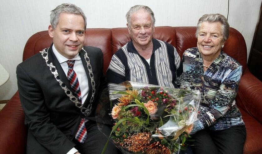 Burgemeester Dennis Straat kwam op visite.