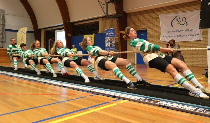 De dames en heren van Touwtrek vereniging Monnickendam namen deel in vier gewichtsklassen op het NK indoor touwtrekken waarvan zij in twee klassen de Nederlandse titel wisten te winnen.
