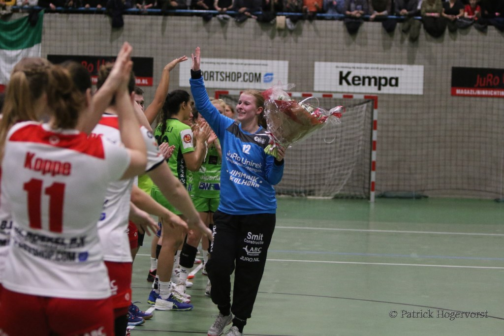 Blijdschap na Collectieve prestatie VZV met Lisanne Bakker speelster/keepster of de match. Patrick Hogervorst © rodi