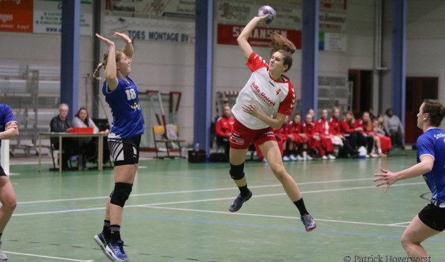 Maud Kruijer topscorer tegen Handbal Venlo.