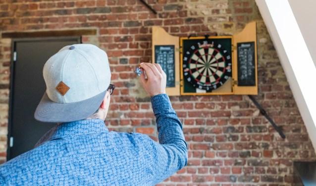 West-Fries darttoernooi: plezier voor spelers én kijkers.