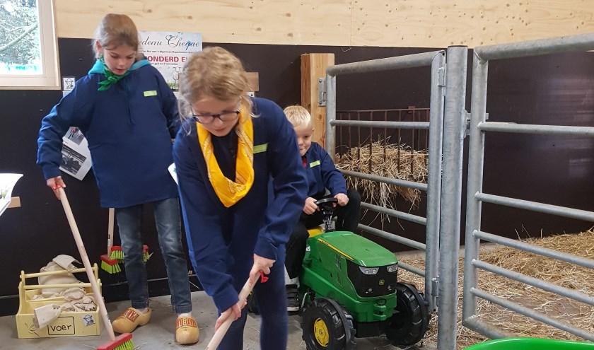 In de nieuwe kinderboerderij is altijd veel te doen. Wie komt helpen?